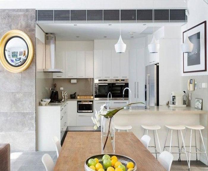 Дизайн кухни объединенной с комнатой